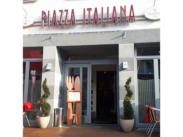 Piazza Italiana Restaurant & Pizzeria